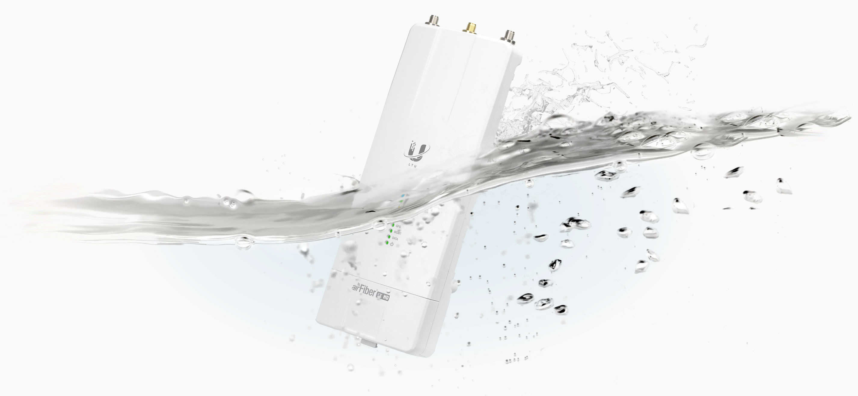 data-interchange=[https://prd-www-cdn.ubnt.com/media/images/product-features/ltu-inwater2.jpg,